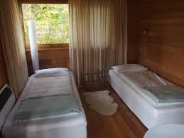 Baumhaushotel Bad Zwischenahn Das Kleine Testcafé Resort Baumgeflüster Wir Flüstern Im Baumhaus