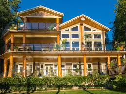 Kelowna Luxury Homes by 9 Mansions You Can Rent For Super Cheap In Bc Narcity