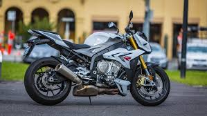 review bmw u0027s intimidating s1000r streetfighter