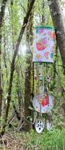 punk projects diy recycled wind chime from a pirouline tin can