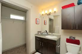 Stadium Bathrooms The Vue On Stadium Drive Fayetteville Ar Apartment Finder