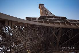 file eiffel tower odd angle jpg wikimedia commons