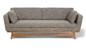 canapé style lignes épurées pieds en acacia et assise confortable pour ce