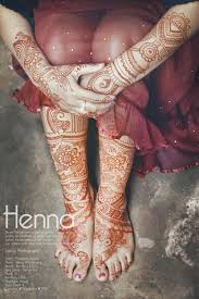 7 desain henna keren ini dilukis menggunakan satu tangan