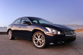 review 2010 nissan maxima 3 5 sv sport photo gallery autoblog