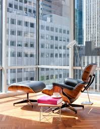 eames chair side table crie ambientes lindos com a poltrona charles eames eames chairs