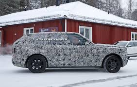 rolls royce cullinan rolls royce cullinan spied testing at arctic circle throttle blips