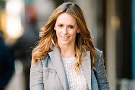 jennifer love hewitt lactated right through her shirt in touch