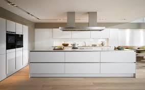 moderne kche mit kochinsel und theke moderne küche kochinsel ruhbaz