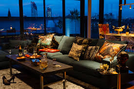 Living Room Furniture London by A Penthouse That Celebrates London With A Cutting Edge Design