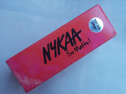nykaa so matte notorious red shade 01m review