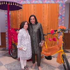 monsoon wedding mira nair who brought monsoon wedding to the gala with lavina melwani