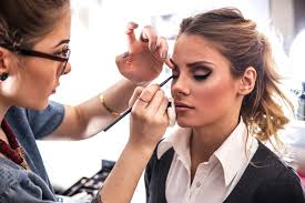 makeup artist what to expect complimentary makeover lionesse beauty bar