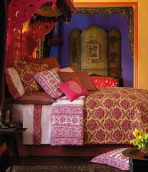 dashing pillows on nice bed on wood floor side picture on small