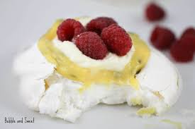 bubble and sweet individual pavlova with passion fruit curd