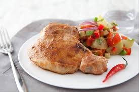 comment cuisiner des cotes de porc recette de côtes de porc au barbecue salade de pommes de terre à