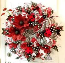 deco paper mesh ladybug deco paper mesh wreath tutorial by trendy tree