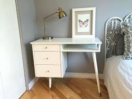 repeindre un bureau en bois peinture meuble peinture gripactiv v33 pour repeindre meuble