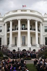 donald trump can u0027t stop losing crowd size competitions to barack