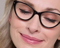 eye makeup tips for specs wearers specsavers uk