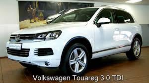 volkswagen touareg white volkswagen touareg 3 0 tdi dd009744 pure white 2012