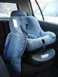 comment attacher un siège auto bébé siege auto trottine notice auto voiture pneu idée