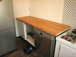 fixer un plan de travail cuisine fixer plan de travail cuisine poser plan de travail cuisine