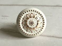 Shabby Chic Drawer Handles by 2 5 Shabby Chic Dresser Knobs Pulls Drawer Pull Handles Gold Cream