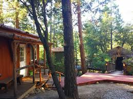 cozy lodge u0026 tiki treehouse cabins for rent in idyllwild pine