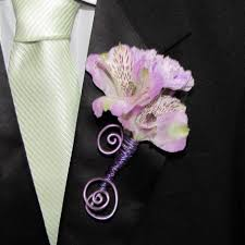 How To Make Boutonnieres How To Make A Boutonniere Finishing Spray