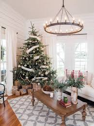 christmas how to decorate christmas tree with ribbon vertically