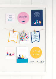 Things To Put On Your Work Desk How To Set Up Your Vision Board Desks Board And Spaces