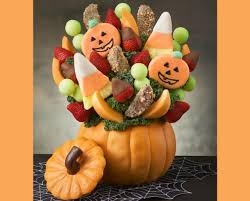 edible fruit arrangements chicago 15 for 30 worth of fruit bouquets chocolate dipped fruit and