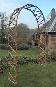 criss cross arch w102