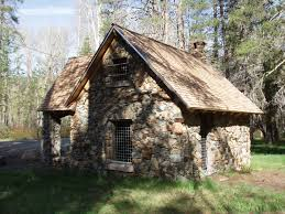 ideas about tiny stone house free home designs photos ideas
