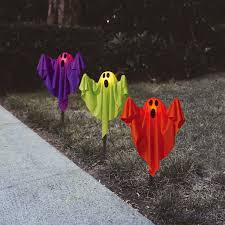 Cute Halloween Yard Stakes by Ghost Fabric Halloween Lawn Stakes Set Of 3 Halloween Decoration