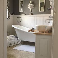 Cottage Bathroom Designs Best 25 Small Country Bathrooms Ideas On Pinterest Small Rustic