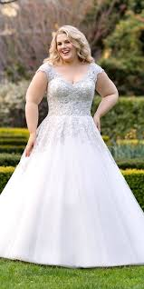 plus size bridal gowns best 25 curvy ideas on plus size brides plus