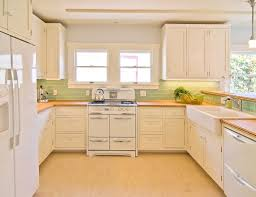 Antique White Cabinets With White Appliances by Cream Kitchen Cabinets With Oak Trim Trillfashion Com