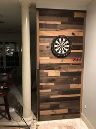 pallet wall dartboard mancave pallet wall diy beer darts