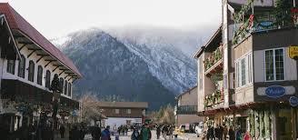 leavenworth christmas lighting bellevue hotel clipper vacations