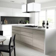 armoire de cuisine stratifié armoire de cuisine stratifie blanc grain de bois stratifiac