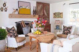 wohnzimmer gemütlich einrichten wohnzimmer im landhausstil gestalten 55 gemütliche ideen