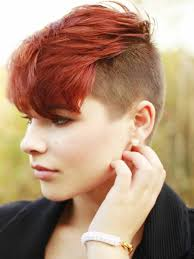 Haar Frisuren Frauen Kurz by Undercut Frisuren Frauen Kurze Haare In Roter Farbe Braune