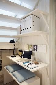sous bureau design rangement sous escalier et idées d aménagement alternatif
