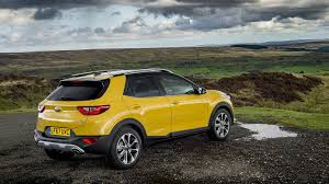 new kia stonic small suv prices from 16 295 motoring research