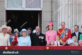 queen elizabeth royal family buckingham palace stock photo