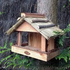 fabrication mangeoire oiseaux graines mangeoires bains pour oiseaux la maison des oiseaux