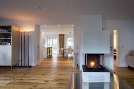 kamin wohnzimmer wohnzimmer mit eckkamin altstil elvenbride nach innen moderne