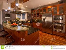 interieur maison bois contemporaine intérieur à la maison classieux contemporain de cuisine avec les